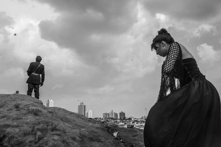 Experimentos cênicos da peça AGRURAS, ENSAIO SOBRE O DESAMPARO na Favela do Boqueirão (SP), em 2013