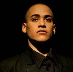 O ator Lukas Torres