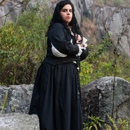 A atriz Nayara Meneghelli