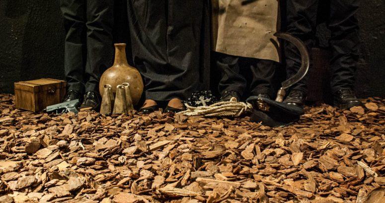Cenário da peça AGRURAS, ENSAIO SOBRE O DESAMPARO, encenada pelo Núcleo Macabéa em 2013